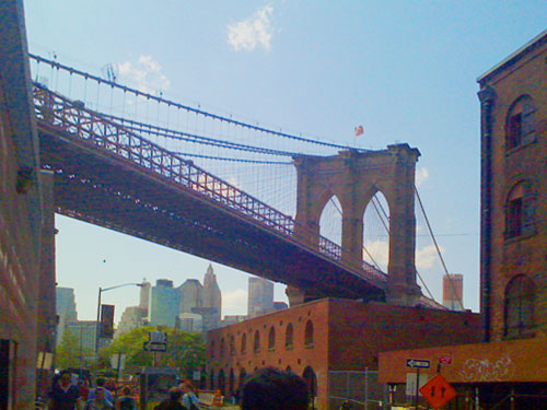 South of the Williamsburg Bridge, Dumbo lies between the Brooklyn Bridge and ......